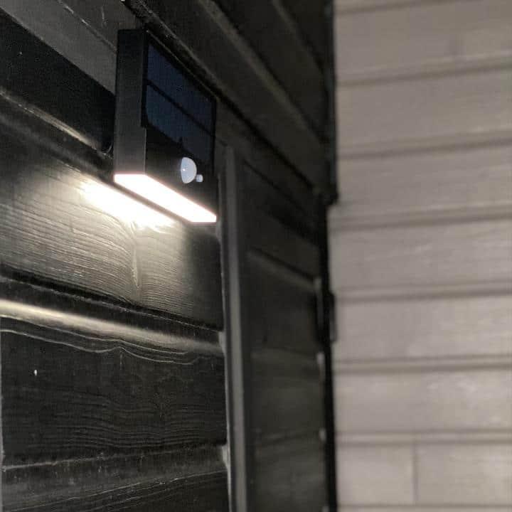 Applique murale LED solaire avec détecteur de présence